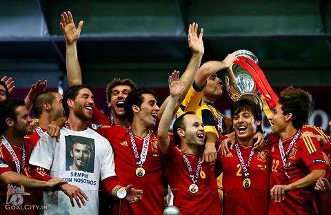 مروری بر تاریخچه یورو 2012